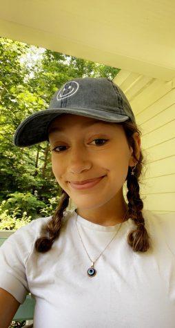 Photo of Isabella Santiago